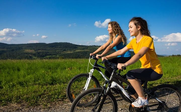 Feeding and physical exercise to stay healthy